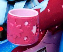 kidsembrace_seat_cinderella_cupholders