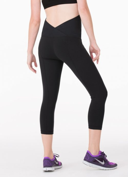active capri pant crossover back